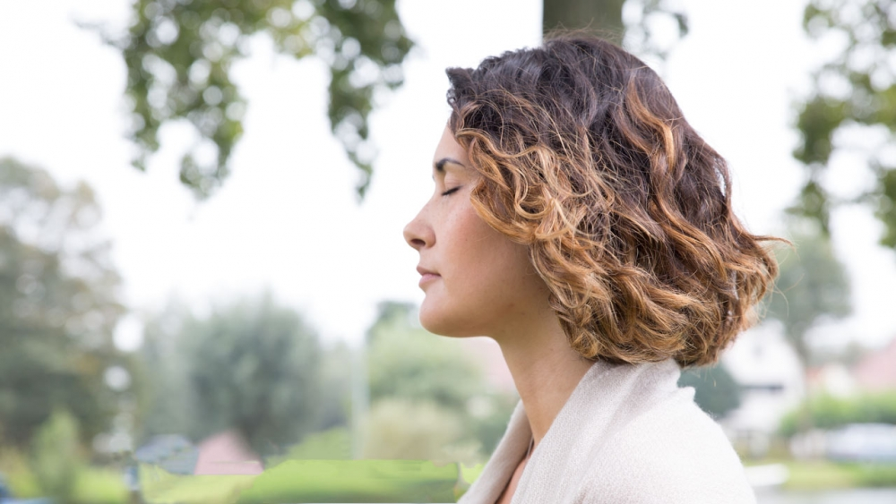 Beginners guide to ujjayi breath Ekhart Yoga