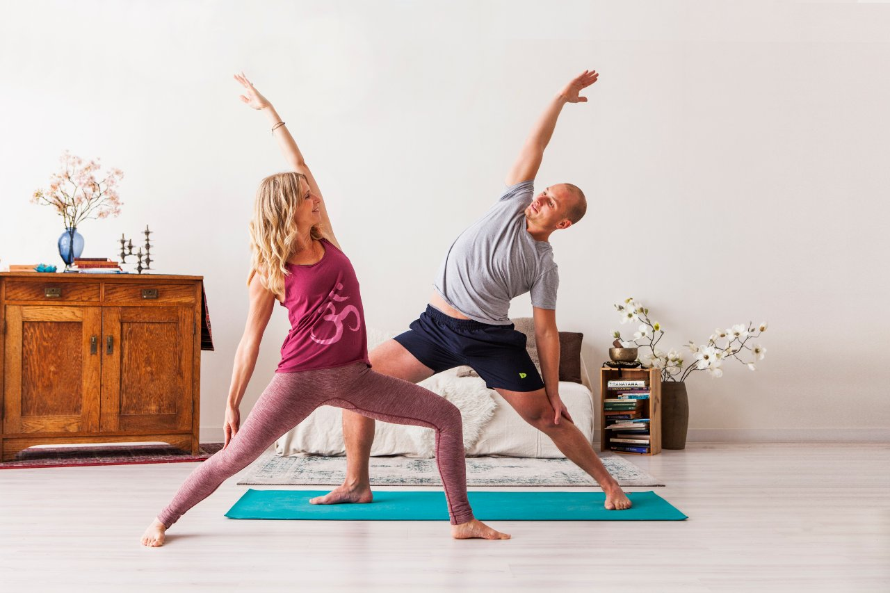 Free online yoga classes EkhartYoga