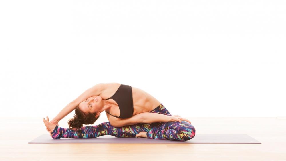 Anatomy Of The Side Body Stretch Ekhart Yoga