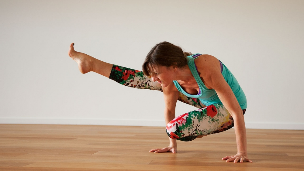 The bandhas preventing yoga injuries-arm-balance
