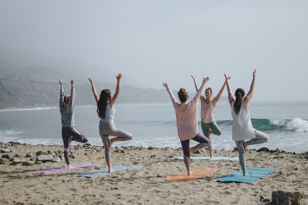 How to theme your yoga classes