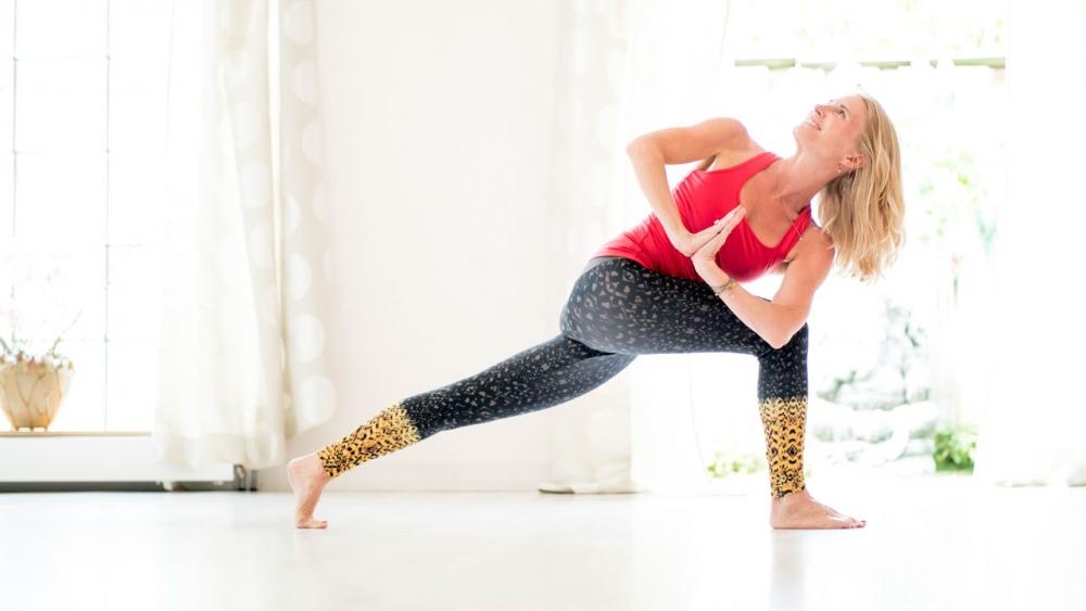 4 Benefits Of Holding A Pose Ekhart Yoga