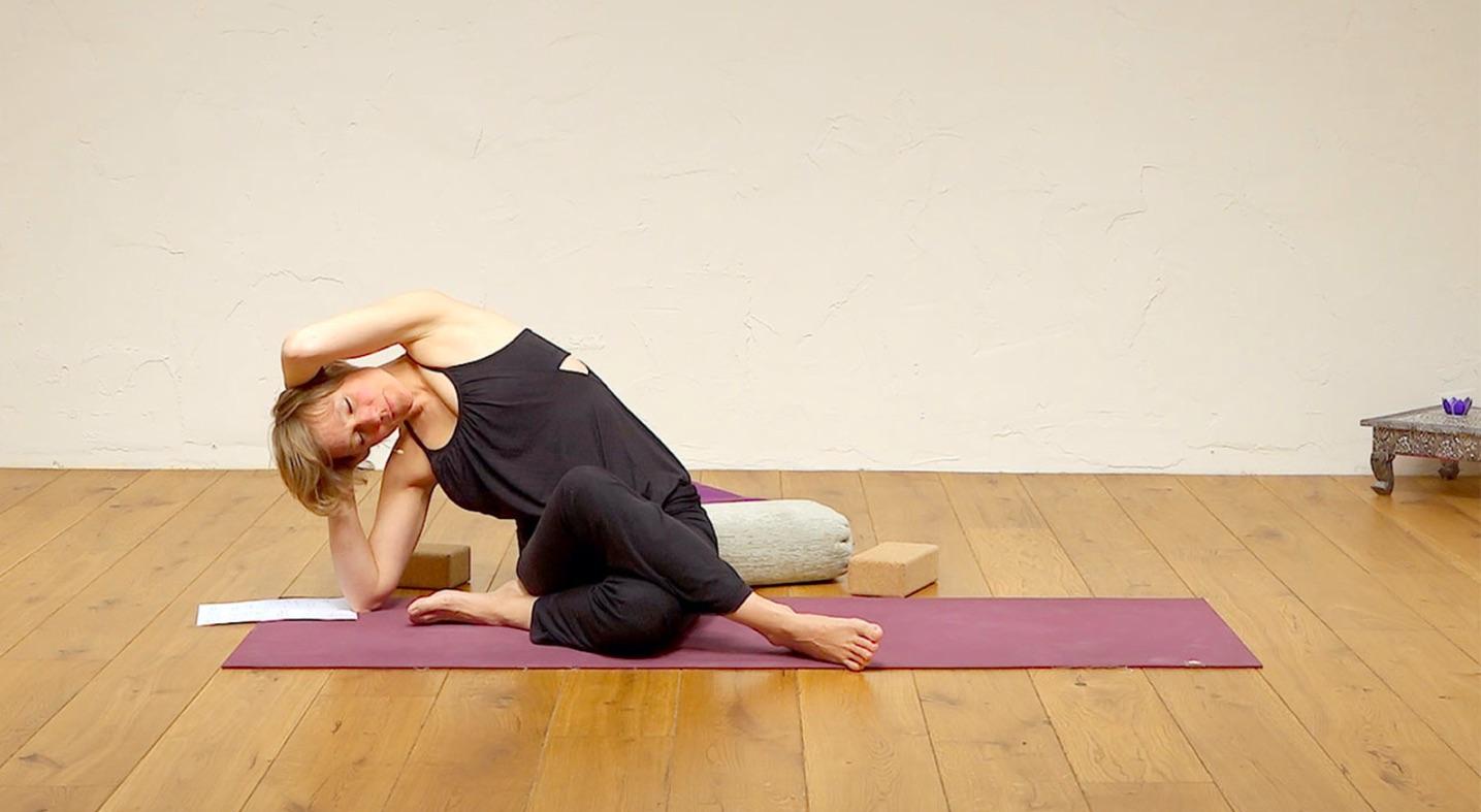 Yoga Sequence For Menstruation Ekhart Yoga