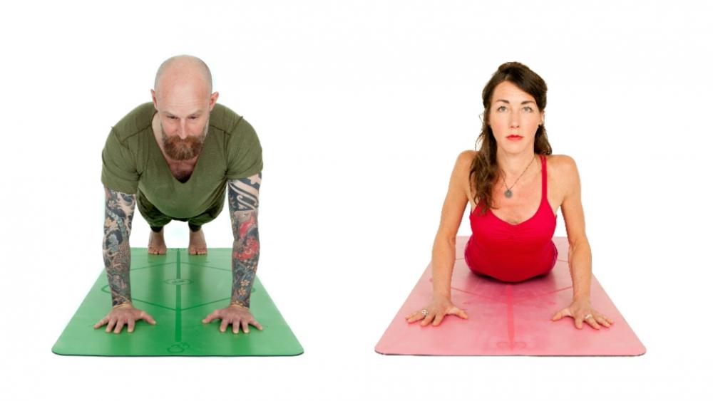 plank and cobra pose yoga