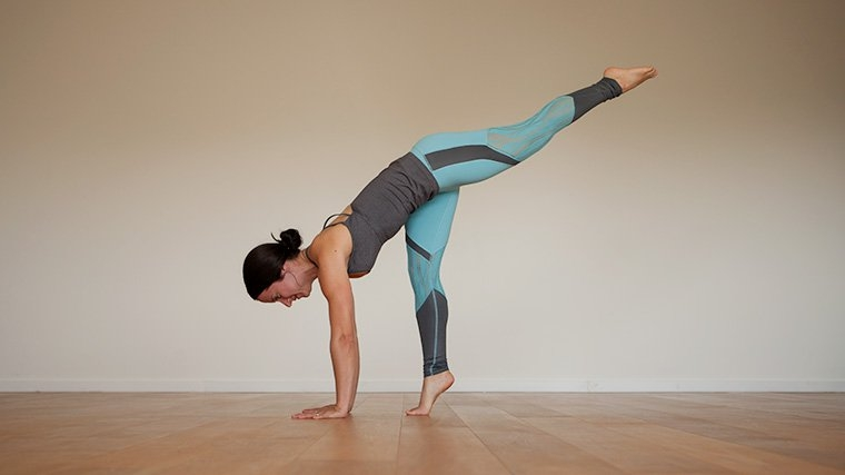Standing splits tip toes